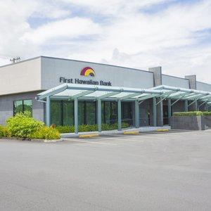 Front Facade of First Hawaiian Bank